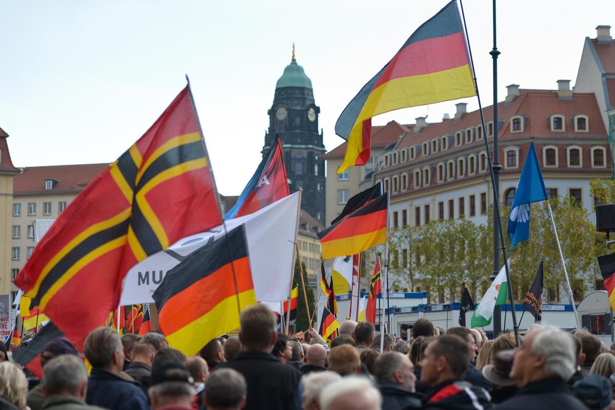 Keine Maskenpflicht bei Demos in Dresden | Sächsische.de
