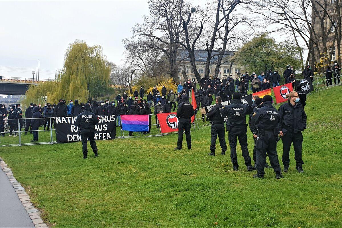 Demo-gegen-Rechtsextreme-in-Dresden