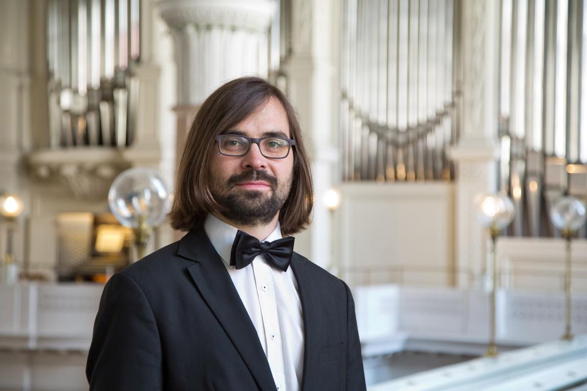 Thomaskantor Lucas Pohle eröffnet gemeinsam mit dem Thüringer Bach Collegium und Florin Iliescu an der Violine am 10. September in der Kirche in Baruth das zweite Kammermusikfest Oberlausitz.