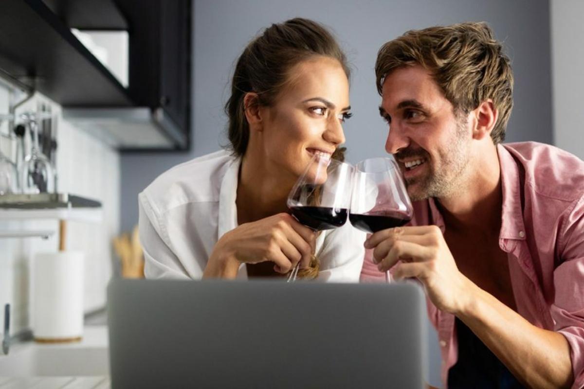Warum nicht entspannt eine Weinverkostung in den eigenen vier Wänden erleben?