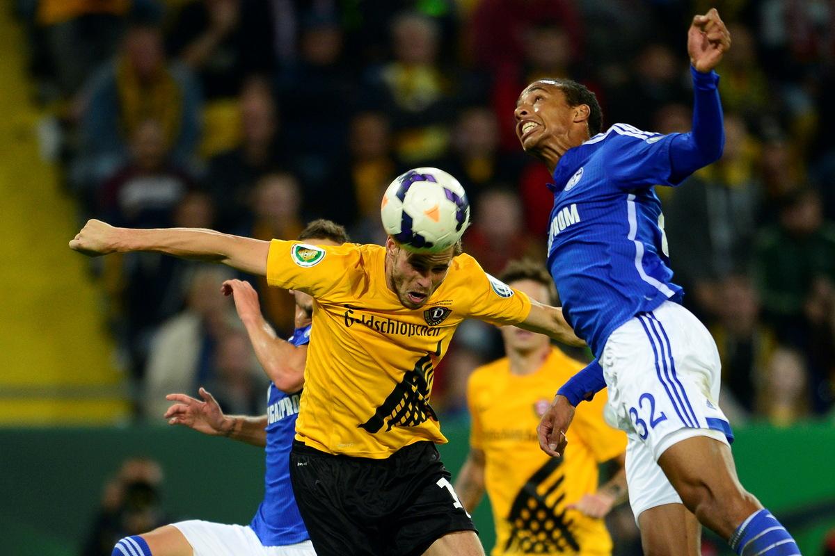 Dynamo auf Schalke: Stadt verbietet Fanmärsche