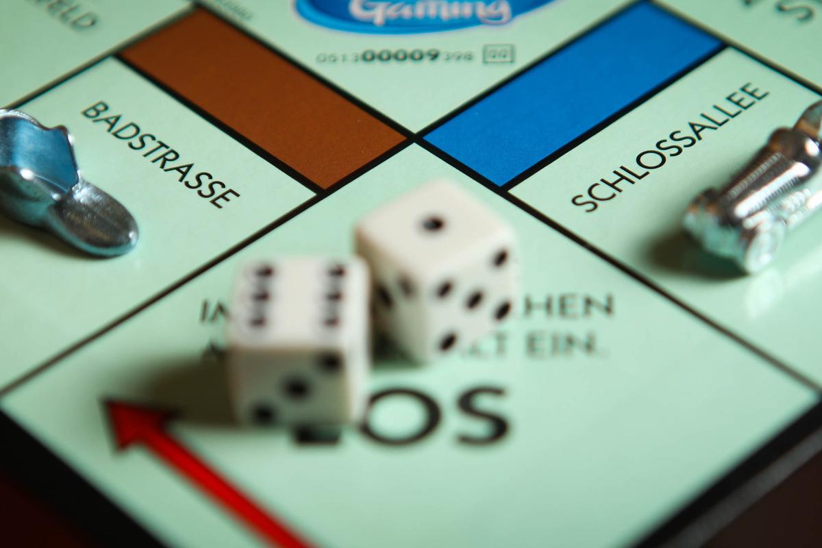 Wilsdruffer Straße statt Schlossallee? Erst mit der Veröffentlichung wollen die Spielemacher verraten, welche Straßen es aufs Spielbrett des neuen Dresden-Monopoly geschafft haben.