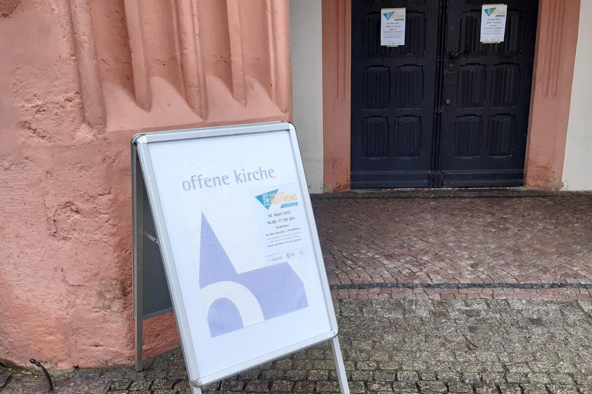 Gedenken-an-Corona-Opfer-in-Kirchen