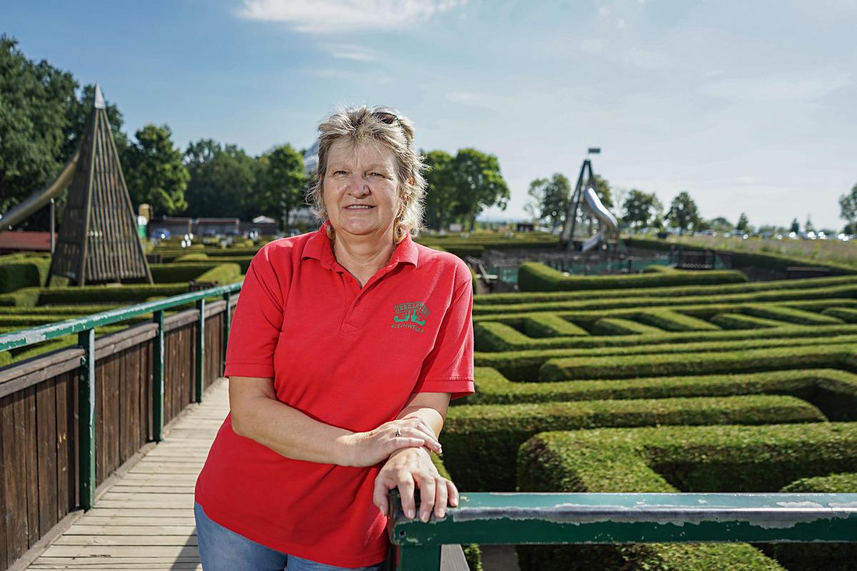 Regina Frenzel hat den Irrgarten aufgebaut und fast 30 Jahre lange geführt. Jetzt geht sie in den Vorruhestand.