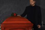 Gesucht: Mitarbeiter (m/w/d) im Bestattungswesen