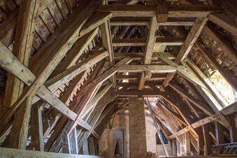 Neues Dach fürs Dornröschenschloss