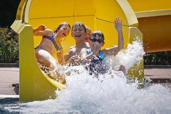 Kamenz: Schwimmhalle oder Spaßbad?