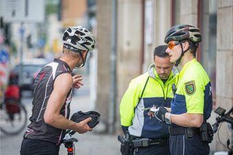 Fahrradkontrolle am Nadelöhr