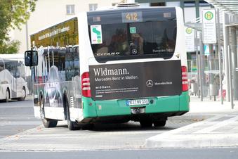 Bus zur neuen Schule überfüllt