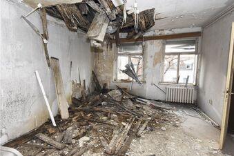 Alte Poliklinik als Ruine