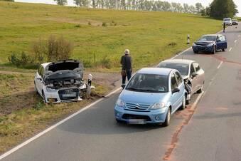 B178: Vier Autos in Unfall verwickelt