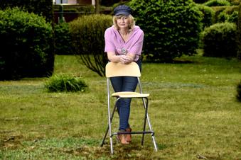 Corona: Die Frau hinter den leeren Gastro-Stühlen