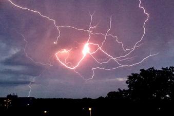 Blitzeinschlag macht Pirna dunkel