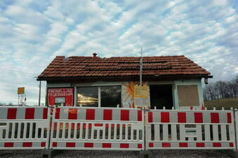 Spekulation um zerstörtes Wartehaus