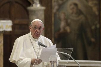 Papst für Gleichstellung von Homo-Paaren