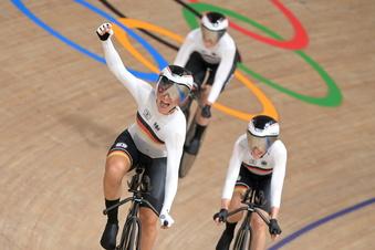 Olympia: Deutsche Frauen rasen zur Goldmedaille