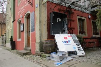 Zigarettenautomat am Dorfanger gesprengt