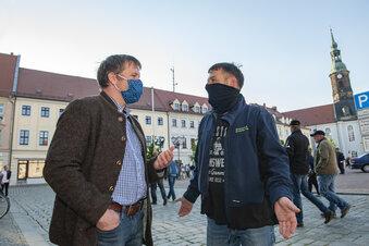270 Menschen spazieren in Großenhain