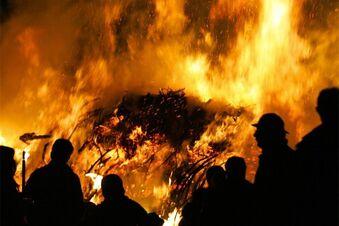 Punker beim Zabeltitzer Frühlingsfeuer verprügelt