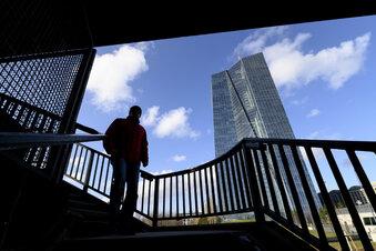 EZB legt riesiges Notkaufprogramm auf