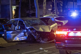 Schwerer Unfall durch illegales Rennen?