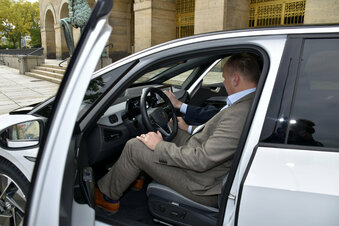 Dresdens Oberbürgermeister fährt nun ID.3