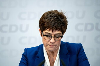 CDU-Chefin AKK: Kürzeste Amtszeit, längster Abschied