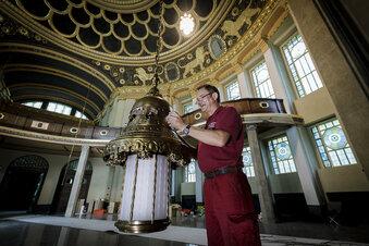 Synagoge bekommt ihre Leuchter zurück