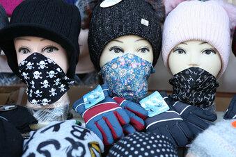 Mit Maske auf Waldheimer Wochenmarkt