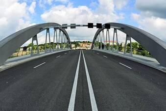 Viele Wege führen zur Waldschlößchenbrücke