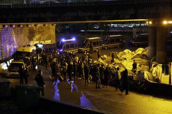 Pariser Polizei räumt Migranten-Lager