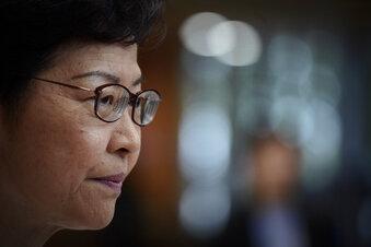 Hongkongs Regierungschefin bleibt stur
