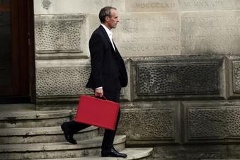 Johnson nimmt Außenminister aus der Schusslinie
