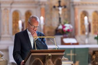 Sachsens Altbischof Rentzing liegt im Koma