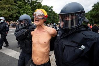 Corona: 500 Festnahmen nach Demo-Verboten