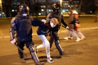 Mehr als 1.000 Nawalny-Anhänger verhaftet