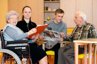 Schüler verschenken Zeit an Senioren
