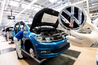 VW-Werke stehen länger still