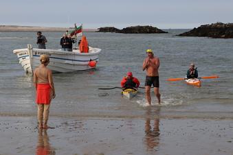 Der Erste schwimmt bis nach Helgoland