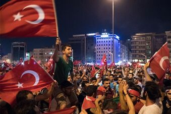 Festnahmen und Feiern in der Türkei