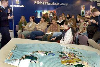 Wirbt die Bundeswehr an Schulen?