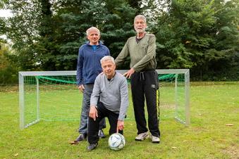 Auch mit 80 noch fit beim Walking Football