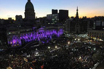 Empörung in Argentinien: Massen-Demonstrationen gegen Frauenmorde