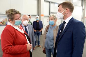 MP Kretschmer wirbt in Löbau fürs Impfen