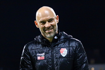 Dynamo präsentiert den neuen Trainer