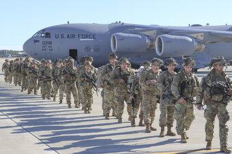 Trumps Truppenabzug startet nicht