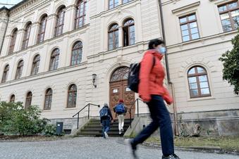 Corona-Test verweigert: Lehrer in Zittau suspendiert