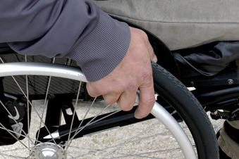 Rassistischer Angriff auf Rollstuhlfahrer