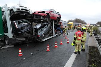 Lkw-Fahrer stirbt auf A14 bei Nossen