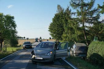 Langer Stau nach Unfall
